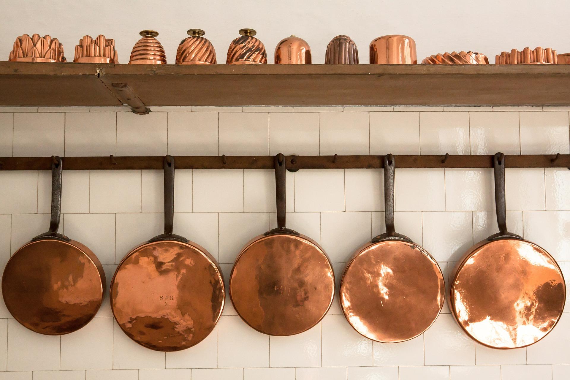 Astuces pour rénover d'anciens ustensiles en cuivre